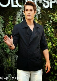 My gosh Ricky Kim. Look at this perfect hybrid of Korean and American blood.