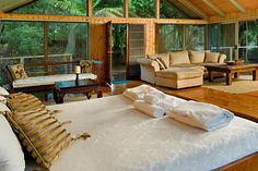 Luxury Montville Accommodation at secluded Picnic Creek at Tree Houses ...