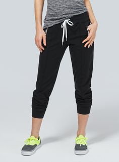 TNA CAMDEN PANT - Sleek jogging pants in high-tech fabric with four-way stretch