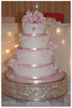 pink and white elegant wedding cake | WeddingWire
