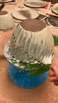 Slab Pottery, Pottery Bowls, Ceramic Pottery, Ceramic Bowls, Pottery Art, Painted Pottery, Hand Built Pottery, Pottery Painting Designs, Pottery Designs