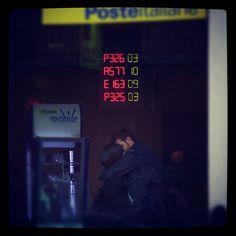 L'amore al tempo della fila alle poste
