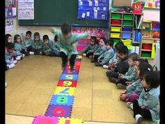 Recta numérica - YouTube Mientras juegan aprenden la secuencia numérica del 1-10