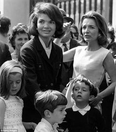 Jackie, Lee, and their children