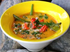 thaisuppekrepsehaler Net, Thai Red Curry, Healthy Lifestyle, Soup, Favorite Recipes, Ethnic Recipes, Healthy Living, Soup Appetizers, Soups