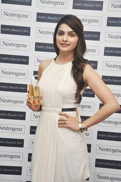 Prachi Desai Launches 10 New Digital Videos of Neutrogena