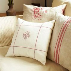 Add Pattern To Cushions With Machine Embroidery