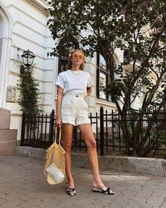 52 Street Style Shorts for all Dress Lovers # All White Outfit, White Outfits, Summer Outfits, Summer Clothes, Fashion Models, Fashion Brands, Fashion Outfits, Fashion Women, Fall Inspiration