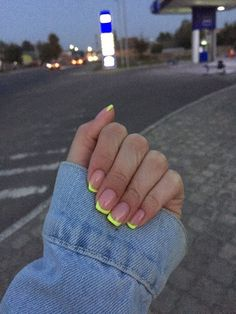 Image about girl in Nails. by Évelly on We Heart It - nails - Uploaded by Évelly. Find images and videos about nails, green and short nails on We Heart It – t - Aycrlic Nails, Neon Nails, Hair And Nails, Neon Yellow Nails, Manicure For Short Nails, Neon Nail Art, Pink Manicure, Pointy Nails, Coffin Nails