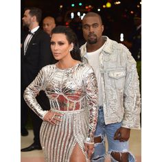 "NEW YORK, NY - MAY 02: Kim Kardashian (L) and Kanye West attend the ""Manus x Machina: Fashion In An Age Of Technology"" Costume Institute Gala at Metropolitan Museum of Art on May 2, 2016 in New York City.  (Photo by Dimitrios Kambouris/Getty Images)"