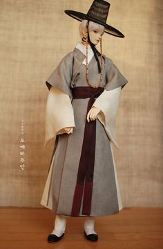 dokkebijudan | sr021_dammook Korean Traditional Dress, Traditional Dresses, Korean Hanbok, Lolita Cosplay, Drawing Clothes, Little Doll, Western Outfits, Korean Outfits, Historical Clothing