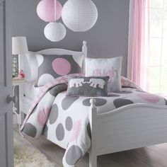 This lavish white, gray, and pink three-piece, full-size comforter set will upgrade your little girl''s bedroom decor. A comfortable cotton-poly construction with two matching shams completes this adorable machine washable comforter set.