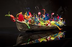 This one makes me happy - glassblowing | Dale Chihuly ~ Glass Blowing Extrordinaire! | Trésors De Luxe
