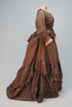 PARIS LABEL SILK AFTERNOON GOWN, c. 1880  Maison du Bon Marche Paris