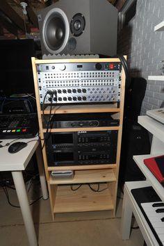 IKEA Hackers: Basement music studio