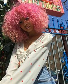 Black Girl Pink Hair, Curly Pink Hair, Black Girl Curly Hairstyles, Colored Curly Hair, Girl Hairstyles, Curly Hair Styles, Natural Hair Styles, Girls With Curly Hair, Dyed Natural Hair