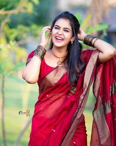 Beautiful Blonde Girl, Beautiful Girl Photo, Beautiful Girl Indian, Most Beautiful Indian Actress, Beautiful Saree, Indian Bride Poses, Dehati Girl Photo, Saree Photoshoot, Bridal Photoshoot