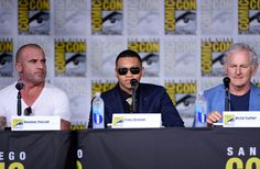 """Victor Garber Photos Photos - (L-R) Actors Dominic Purcell, Franz Drameh and Victor Garber attend  DC's """"Legends Of Tomorrow"""" Special Video Presentation and Q&A during Comic-Con International 2016 at San Diego Convention Center on July 23, 2016 in San Diego, California. - Comic-Con International 2016 - DC's 'Legends of Tomorrow' Special Video Presentation And Q&A"""