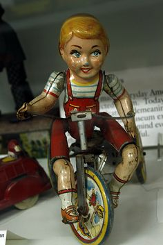 vintage tin toy We have one of these that was my husband's. Not sure if he got it in the late 40s or early 50s.
