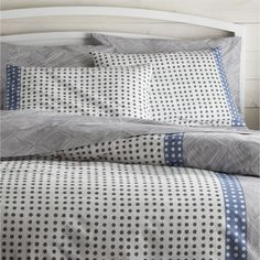 Loving the immediacy and irregularity of hand-drawn designs, Genevieve Bennett has created a stunning motif of fine lines and playful dots just for us in tonal blues on white cotton. Reversible duvet has hidden-button closure and interior fabric ties to stabilize duvet insert; pillow shams have an inner flap closure. Duvet inserts and bed pillows also available.This product is certified by Oeko-Tex®, an international association focused on textile safety and sustainable production. Oeko-Tex®…