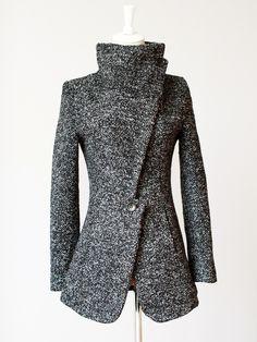 2014 new Fashion winter women 's woolen cloth jacket coat women Apparels warm splice circle high fur collar coat free shippping