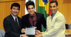 Luan Santana recebe título de Cidadão Honorário de Londrina - Luan Santana recebe título de Cidadão Honorário de Londrina na presença de autoridades e muitos, muitos fãs