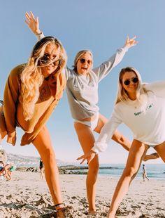 See more of fatmoodz's VSCO. Cute Beach Pictures, Lake Pictures, Cute Friend Pictures, Beach Pics, Family Pictures, Friend Picture Poses, Beach Picture Poses, Tumblr Summer Pictures, Squad Pictures