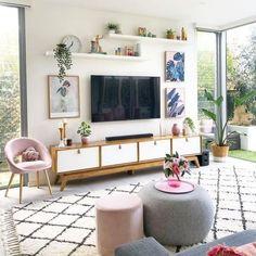 Living Room Tv Unit, New Living Room, Living Room Modern, Tv Wall Ideas Living Room, Tv Wall Decor, Bedroom Tv Wall, Paint Colors For Living Room, Living Room Decor Around Tv, Living Room Walls