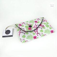 Handyhülle aus Baumwollstoff, Druckknopf, Flamingo Abmessungen: 9 cm x 14 cm Preis: € 15,- Jetzt bestellen: http://www.popcut.at/diy/webshop/