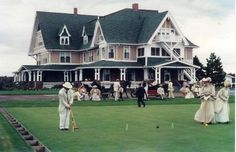 If you are an Anne fan and dream of visiting Prince Edward Island then you would no doubt love to stay at THE White Sands Hotel: Dalvay by the Sea.