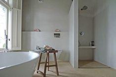 Mooie strakke badkamer met betonstuc