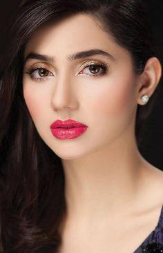 mahira khan...love bold eyebrows!