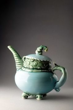 I like the design on this teapot a lot!! it is really abstract and original