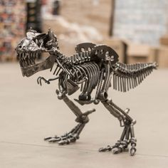 If you are a fan of art made from recycled material such as scrap metal, and Dinosaurs than it could be worth checking out the Metal Art T-Rex.