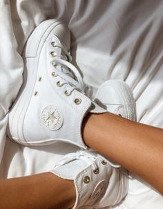 @1969Mauricio Dr Shoes, Swag Shoes, Hype Shoes, Me Too Shoes, Shoes Sneakers, Shoes Heels, Mode Outfits, Trendy Outfits, Mode Converse