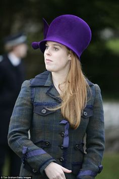 Princess Beatrice attending church at Sandringham on Christmas Day 2005 in a striking purple creation. Fashion Fail, Bold Fashion, Fashion Advice, Princesa Beatrice, Royal Christmas, Duchess Of York, Princess Eugenie, English Royalty, Wedding Hats