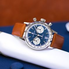 No matter what life has in store, a Hamilton watch is a gift that will be forever cherished. Give your graduate a precious keepsake that will make an impression and stay with them for a lifetime of success. Field Watches, Gift Of Time, Sophisticated Dress, American Spirit, What Is Life About, Quartz Watch, Omega Watch, Hamilton, Graduation