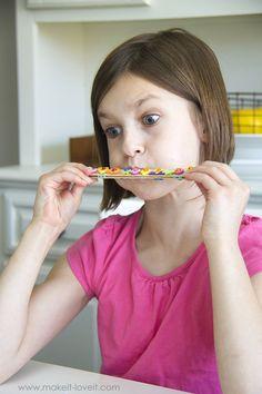DIY, Evde Mızıka Nasıl Yapılır? , Çocuklarımız için çok güzel bir etkinlik daha. Okul öncesi etkinlik önerilerine bir yenisini daha ekliyoruz. Bu sefer mızıka nasıl yapılı... ,  #abeslangçubukları #basitmızıkayapımı #çocuklarlaevdeetkinlik #dondurmaçubuklarındanneleryapılır