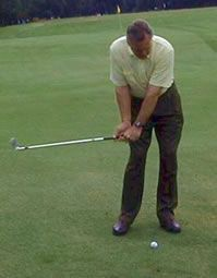 How to Hit Your Pitches Consistently in Golf with Drill. Golf Chipping Technique - Tips to Improve Golf Chipping for Beginners. stuff golf chipping tips Golf Push Cart, Golf Chipping Tips, Golf Videos, Golf Instruction, Golf Tips For Beginners, Golf Exercises, Perfect Golf, Golf Irons, Golf Lessons