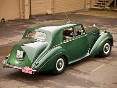 Vintage Cars 1952 Bentley R-Type Standard Saloon Retro Cars, Vintage Cars, Antique Cars, Vintage Travel, Rolls Royce Black, Vintage Rolls Royce, Automobile, Bentley Car, Bentley Motors