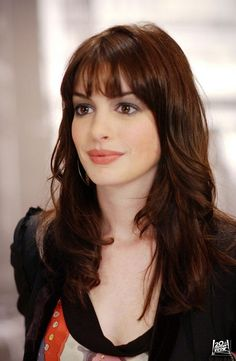 Love the hair and makeup in this scene for The Devil Wears Prada, Ann Hathaway is beautiful anyway, but the makeup here is standout! This is perfect Fall 2014 makeup, full berry lips, a flush of pink cheek and a demure gray shadow.