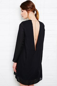 Carin Wester - Tiolina - Robe dos nu - Noir chez Urban Outfitters