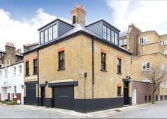 Exceptional London mews house transformed