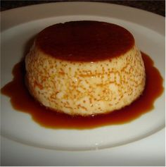 This homemade baked flan is very easy and delicious, perfect to please even the most demanding palates. A delica homemade Mexican cuisine. Mexican Food Recipes, Sweet Recipes, Cake Recipes, Dessert Recipes, Mexican Snacks, Mexican Breakfast, Spanish Recipes, Baking Desserts, Yummy Treats