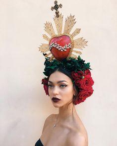 Zhenya Katava at Dolce & Gabbana Alta Moda Fall / Winter La Madone, Photo Portrait, Maquillage Halloween, Headgear, Mode Style, Gothic Fashion, Net Fashion, High Fashion, Headdress
