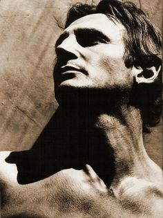 Liam Neeson - love this strongly lit portrait of him! Liam Neeson, Gorgeous Men, Beautiful People, Absolutely Gorgeous, Pokerface, Famous Faces, Movie Stars, Actors & Actresses, Uk Actors