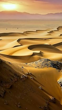 The Sahara Desert was prominent in their culture. Large expansive area where not much lived. Beautiful World, Beautiful Places, Landscape Photography, Nature Photography, Desert Sahara, Deserts Of The World, Desert Life, Amazing Nature, Beautiful Landscapes