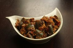 Indian Eggplant Masala ~ Simple eggplant curry with onions, tomatoes and ground spices The other day when I was chatting up with my sis-in-law, she suggested that I post more of the simple/ordinary…
