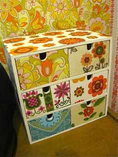 Mod •~• storage box with vintage wallpaper