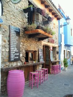 Beautiful locations near the sea. Yoga Holidays, Spain Holidays, Places To Travel, Places To Visit, Valence, Local Color, Moraira, Andalusia, Beautiful Landscapes